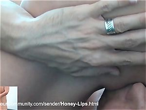 mind-blowing stunner gets penetrated in her kinky fuck holes