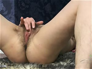 Russian Mia jacks her unshaved nubile pussy