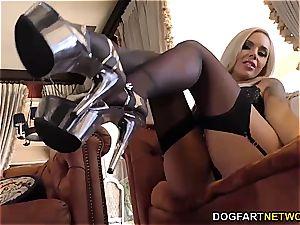bi-racial sole Fetish pornography with Nina Elle