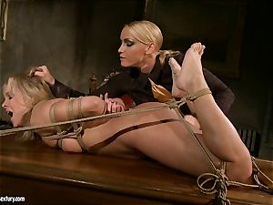 Kathia Nobili like to clamped down her victim with fake penis
