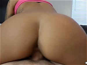 Natalia Mendez gives up workout for a big boner
