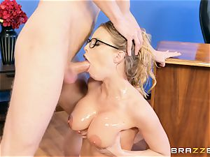 Digging it deep into the butt of Britney Amber