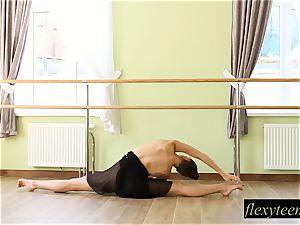 fabulous dame Regina does gymnastic acting