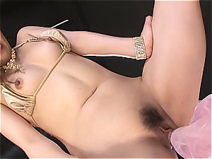 ultra-kinky chinese whore frigs herself to orgasm