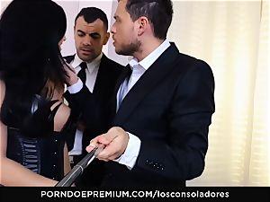 LOS CONSOLADORES - Julia De Lucia loves crazy 4some