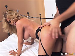 Kayla Kayden gets the steaming bang-out she well-deserved