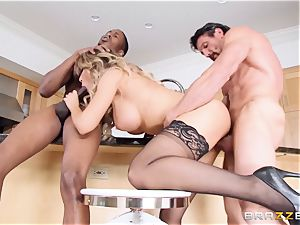 Capri Cavanni plows her guy and his pal