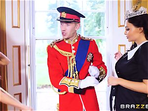 Right royal threeway with Aletta Ocean and Madison Ivy