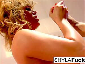 Shyla and Taylor ravage each other