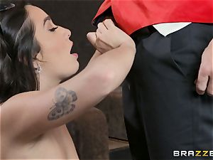 beaver pulverizing in the cinema with Karlee Grey