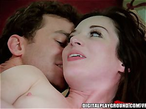 Stoya prizes James Dean with a playful pulverize