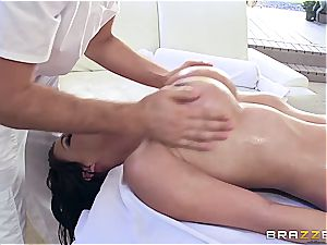 huge-titted Peta Jenese receives xxx massage