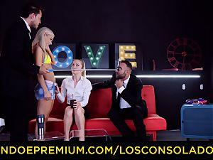 LOS CONSOLADORES - salacious blondes spicy 4 way