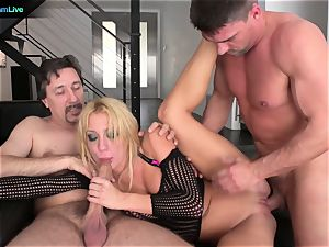 warm nymphomaniac Amy Brooke can get a lil' messy together