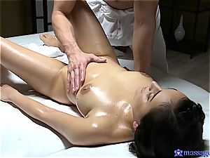 Yasmeena Ali sensual massage and fucky-fucky
