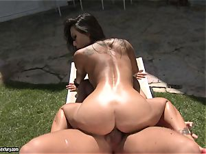 dirty plower Asa Akira likes the softcore activity with her lover outdoor