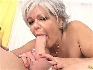 grannie Kelly Leigh Is horny for a jizz-shotgun