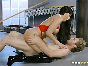 hot vampire babe Mercedes Carrera rides stiff cock