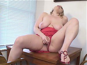 buxomy wife Vicky Vixen fucktoys slit