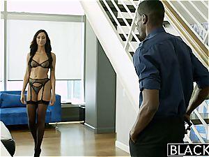 escort Tiffany overwhelmed by his dark-hued girth