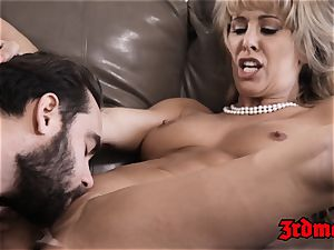 Mature babe Cherie Deville rams cock-squeezing pussy with man sausage